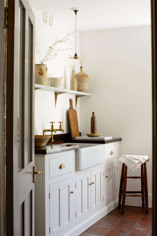 The perfect scullery. The only problem is, I would need a dishwasher. Solution: hire a scullery maid!   designed and made by:  devolkitchens.co.uk