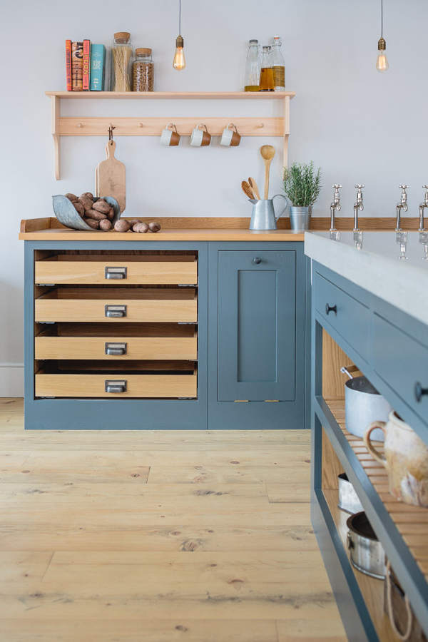 Solid timber Shaker doors, painted in Farrow & Ball's Down Pipe. I love the mix of grey and timber in this quality, bespoke kitchen. |  Sustainable Kitchens