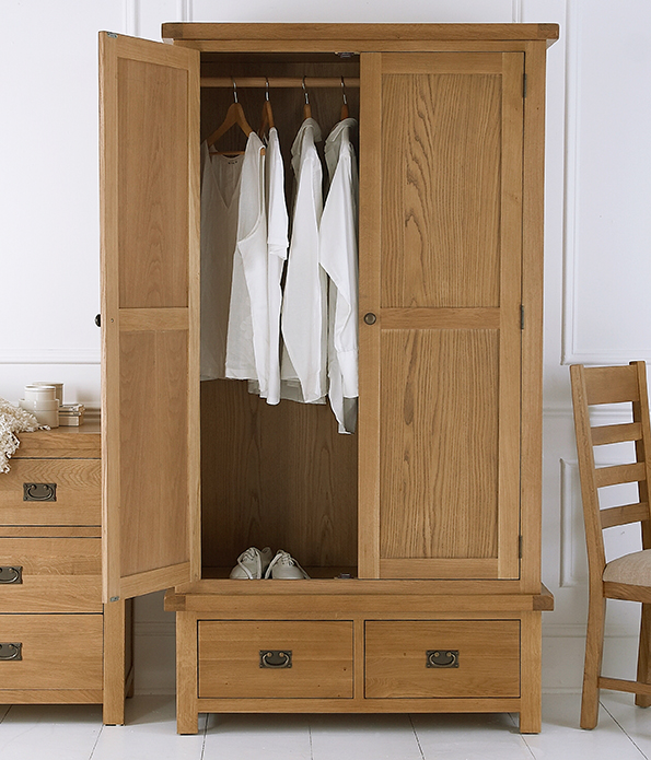 CO wardrobe.jpg