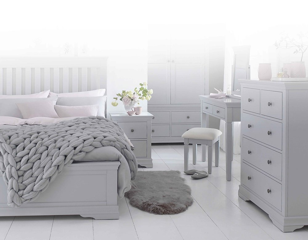 SW Bedroom grey 1.jpg
