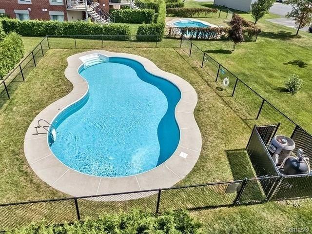 amazing-pool-4585-Ch-des-Prairies-app2-brossard-qc.jpg