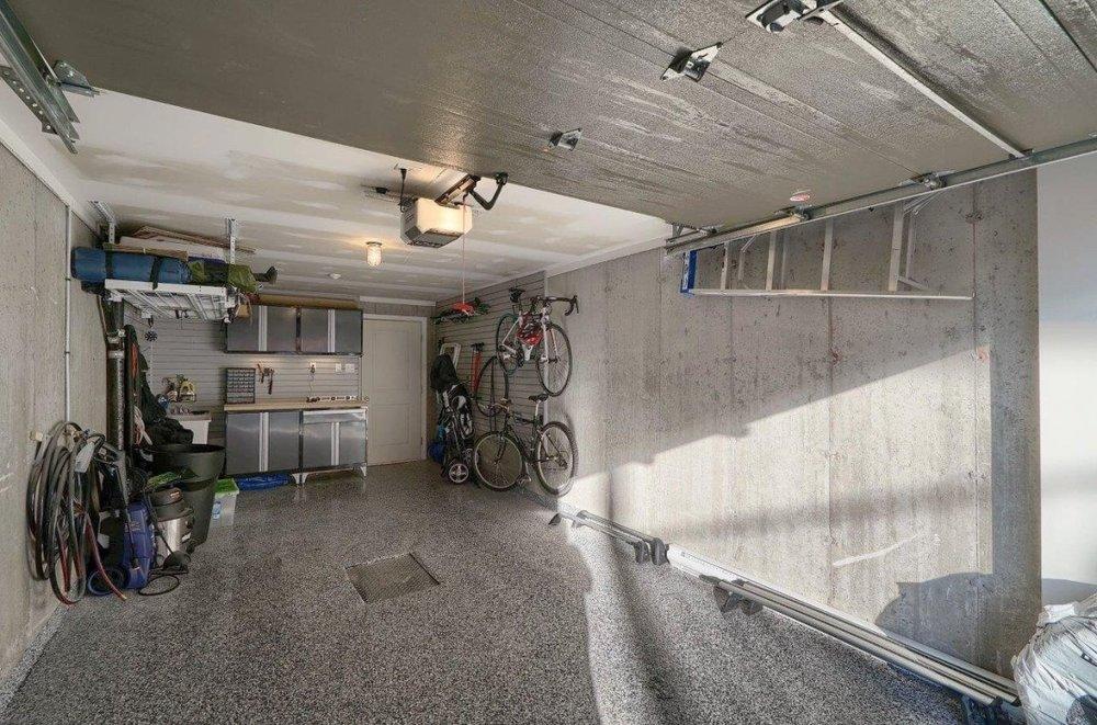 clean-garage-condo-8125-rue-de-londres-brossard-qc.jpg