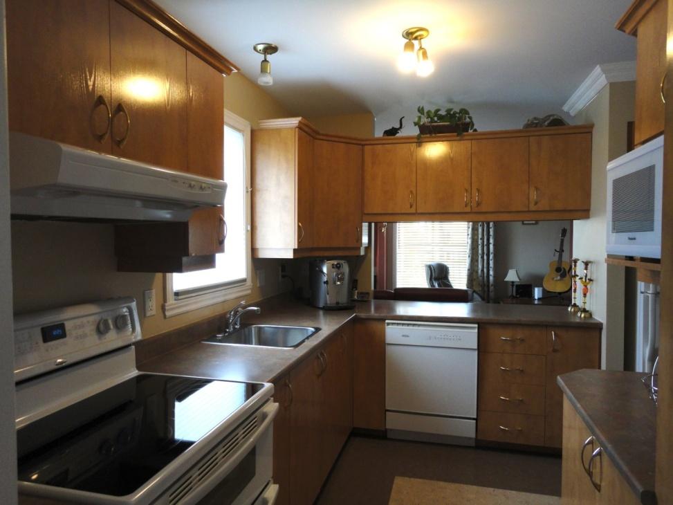 kitchen-condo-4905-Av-Colomb-app-202-Brossard-qc.jpg