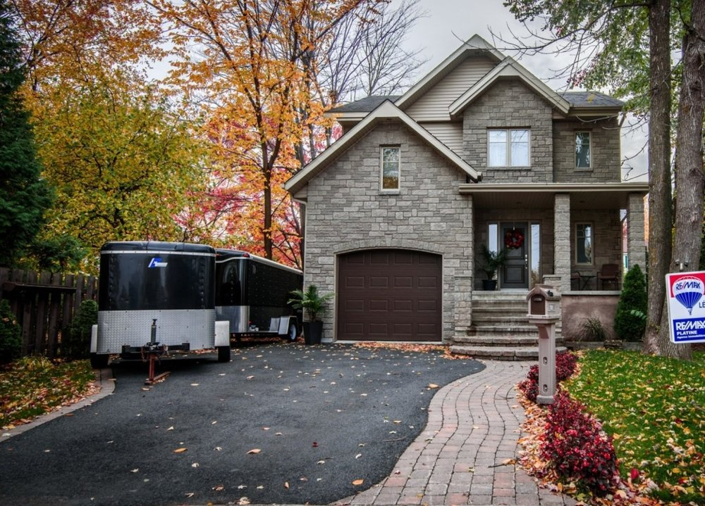 Gorgeous-home-585-rue-doris-greenfield-park-qc.jpg