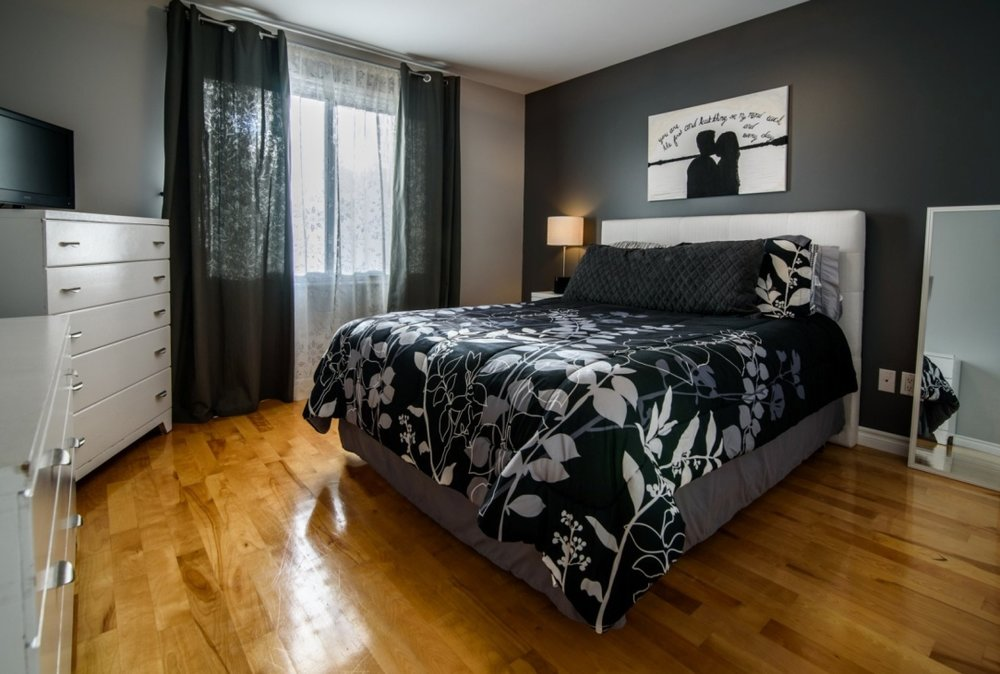 guest-bedroom-585-Rue-Doris-Greenfield-Park-qc.jpg