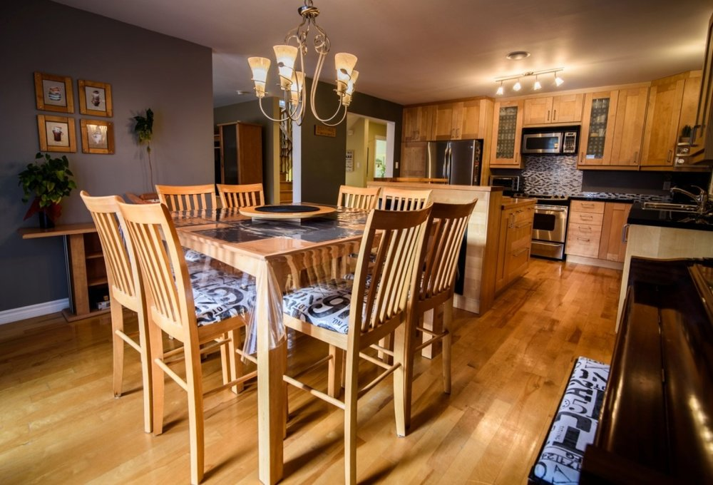 dining-room-585-Rue-Doris-Greenfield-Park-qc.jpg