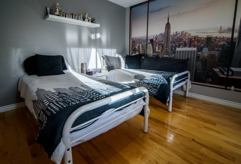 bedroom-view-585-Rue-Doris-Greenfield-Park-qc.jpg