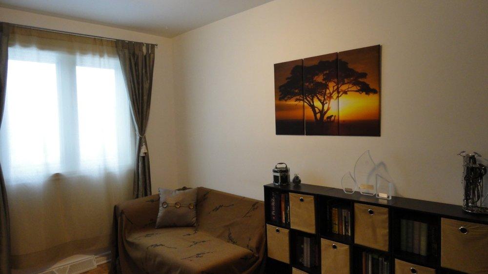 living-room-2-1215-Rue-Peloquin-Brossard-qc.jpg