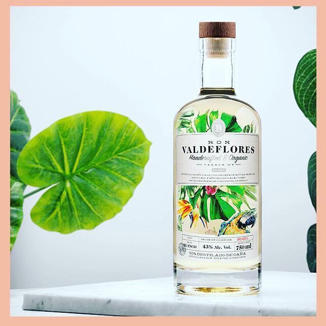 Hey #WesternAustralia ,  You #coolcats will be the #first #state to taste the @ronvaldeflores #agricole #rhum ! 🌴🍍 tip: Grab one of these with bad boys with some Lime sugar syrup and mint ice cubes 👌 . . . #drinks #drinkporn #pineapplesociety #pineapple and #coconut #ronvaldeflores #rum #henchoenmexico #friyay #ronmexicano #pineapple🍍#bars #bartenders #perth #perthisok #thisiswa #melbourne #sydney #brisbane