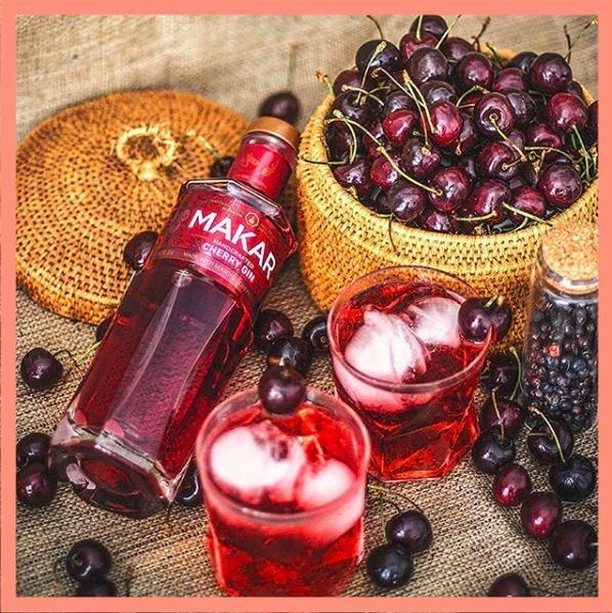 Do you want some Cherries in your #G&T ma chérie ?🍒⠀ Makar Cherry #Gin has joined the @Makarglasgowgin Family! 🍸⠀ Available for pre-orders now (FREE DELIVERY) link here https://www.3two1.com.au/makargin/makar-cherry-gin-500ml 👏🏼💥 .⠀ .⠀ .⠀ We are delighted to introduce to #Australia the fifth expression to join our #Makar range, Makar Cherry Gin. The Cherry Gin is created by infusing ripe, #seasonal #fresh cherries and a sprinkling of #pink peppercorn in Makar's #Original Dry Gin, before being pressed to release maximum #flavour. It pairs perfectly in your #ginandtonic over ice, or mixed in a refreshing Cherry Collins cocktail. Makar Cherry Gin balances the traditional #juniper forward notes that Makar is well known for, with #delicious richness from the ripe cherries, accompanied by a hint of subtle spice from the pink peppercorns on the finish! ⠀ Click the link in our bio to buy!! 🍸