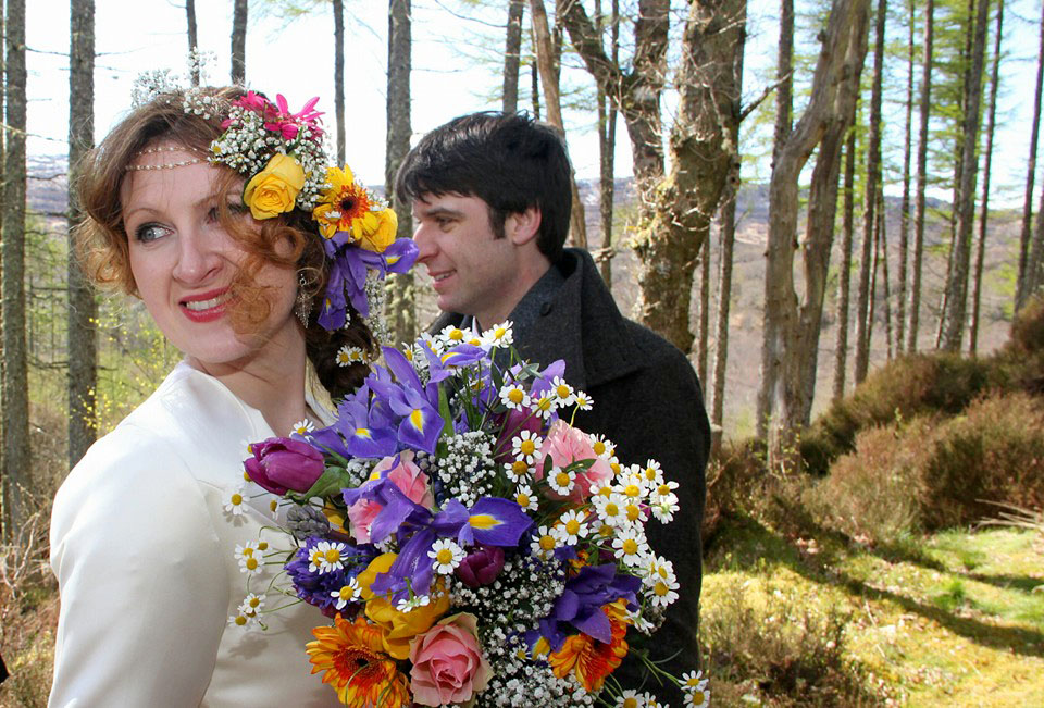 flowers in hair highlands scotland wedding.jpg