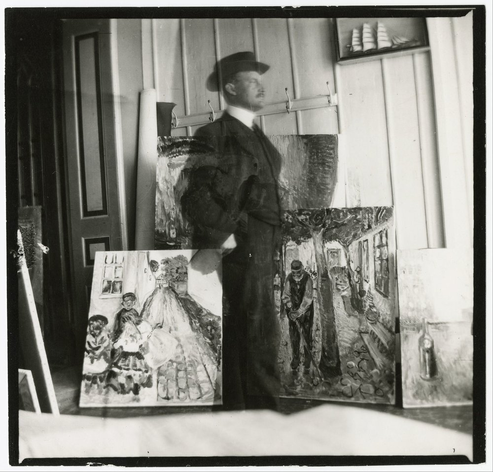 Edvard Munch, Self Portrait, 1907. Gelatin silver print, 9 x 9.4 cm. Munch Museum/Munch-Elingsen Group/BONO 2011.