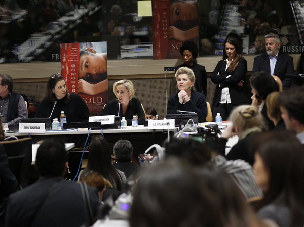 Gillian Anderson speaking at the United Nations