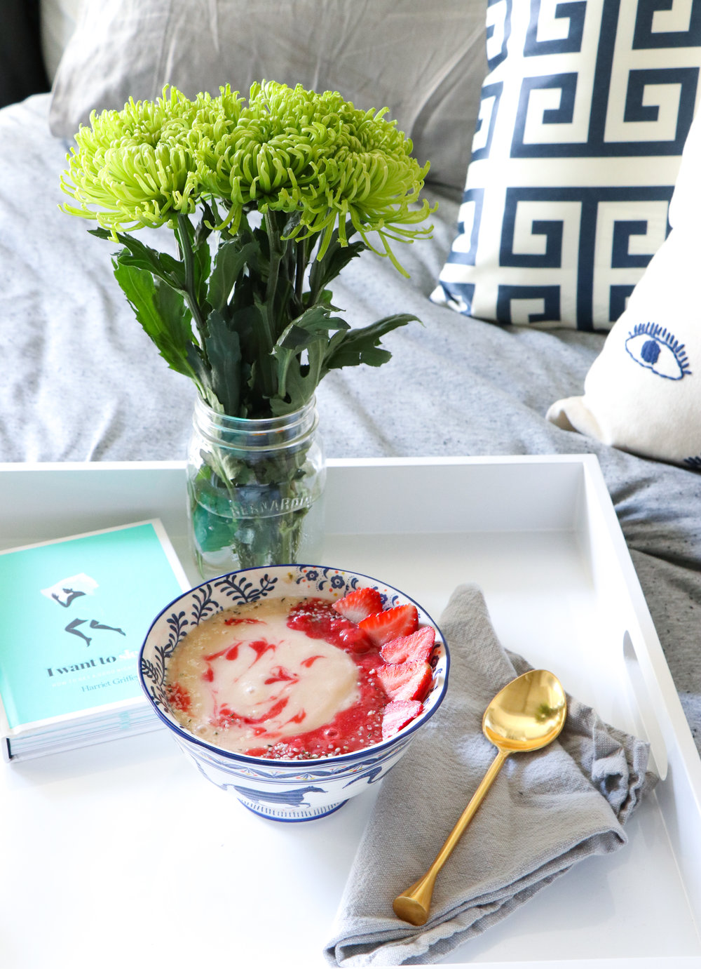 mothers day smoothie bowl