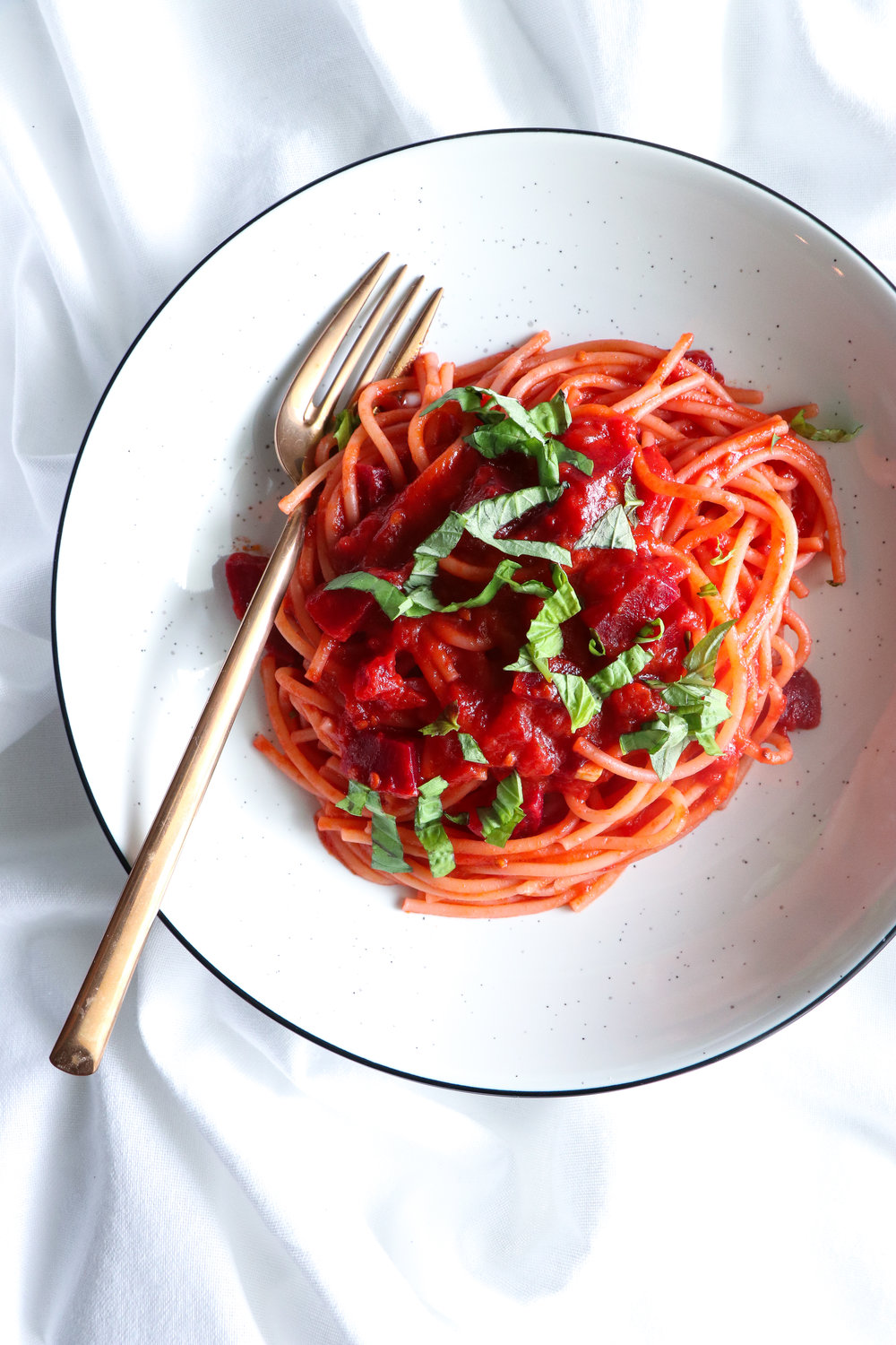 spaghetti with beets and tomato sauce