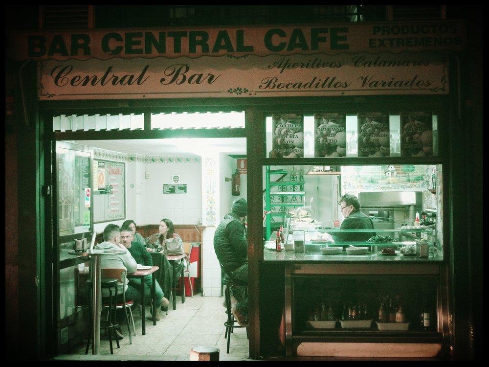 Bar Central Cafe