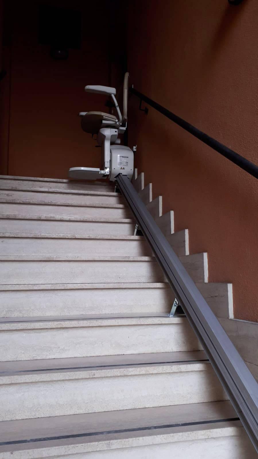 3-auros-ascensori-montascale.jpg