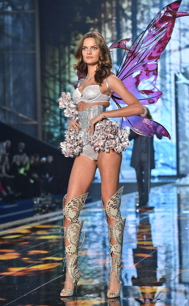 Barbara Fialho in Giant Kira Wings, Victoria's Secret Fashion Show 2014