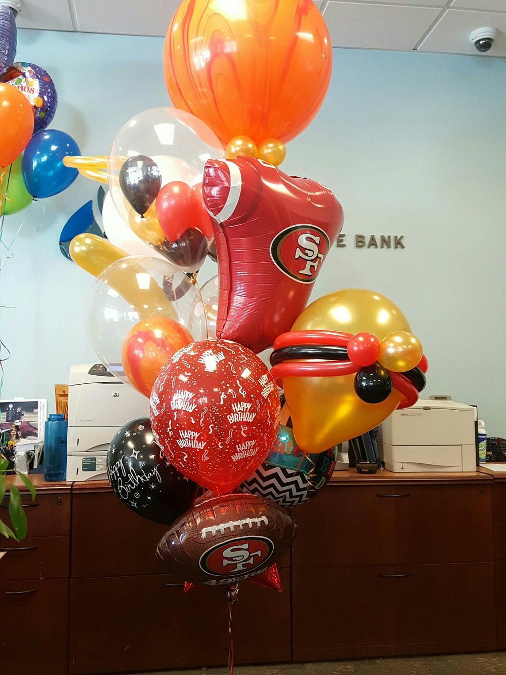 San Francisco 49ers Birthday Balloon Bouquet