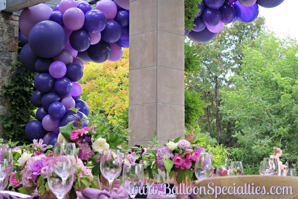 Balloon installation SF Balloon Garland Zim Balloon Specialties.jpg