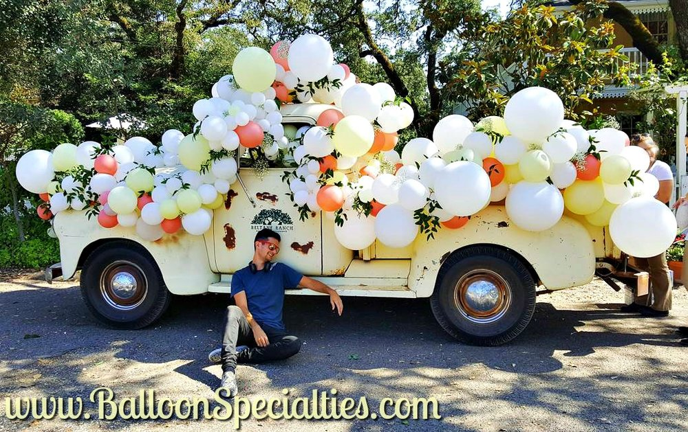 Sonoma Beltane Ranch Truck Wedding Balloon Garlands Zim Balloon Specialties San Francisco.jpg