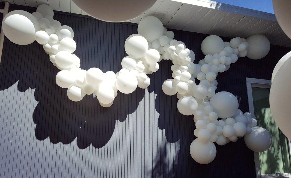 Balloon Garland Wall Swag San Rafael Marin Zim Balloon Specialties.jpg