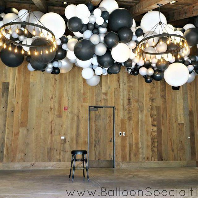 Napa St Helena Balloon Cloud wedding organic balloon installation Zim Balloons.jpg