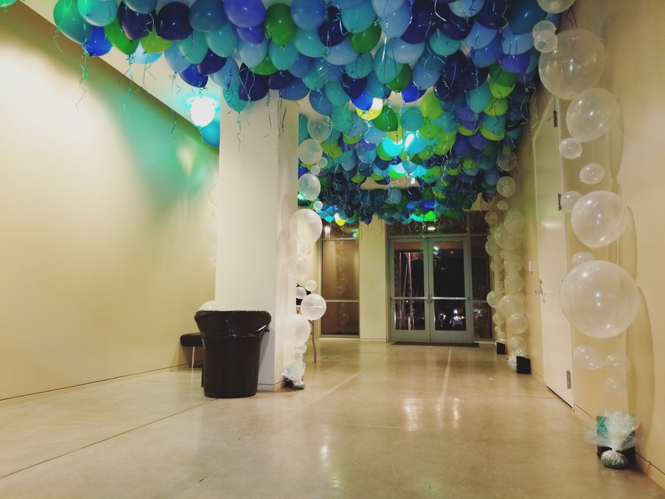 Napa Film Fest Loose Ballons and Bubble Strands San Francisco Balloon Cpompany.jpg