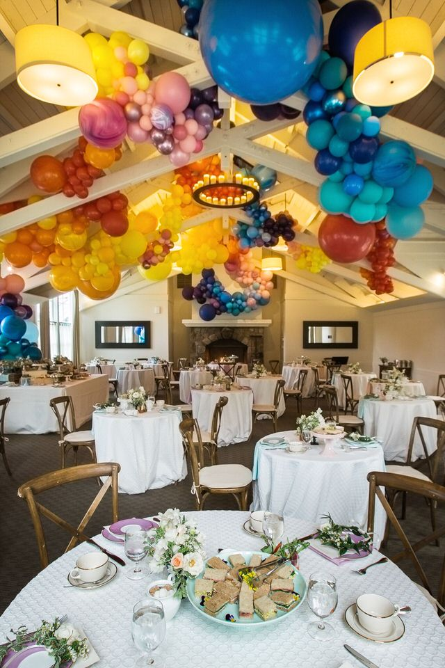 Meadowood Napa Valley Organic Balloon Garlands in Rafters Zim Balloons.jpg