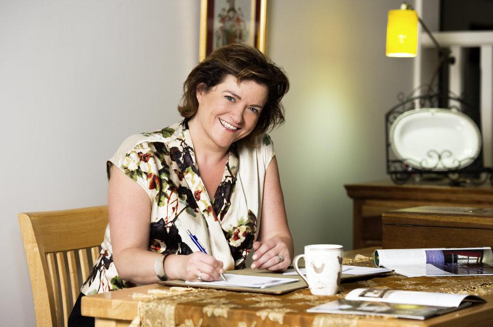 Caroline Jane Knight