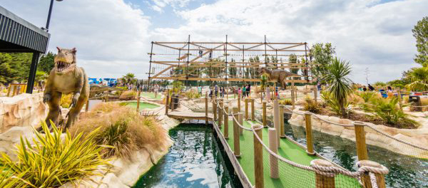 adventure-golf-and-sky-trail-course-600x400.jpg