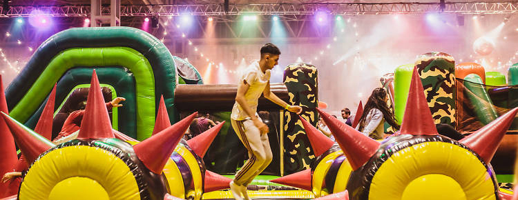 inflatable-obstacle-course-london.jpg