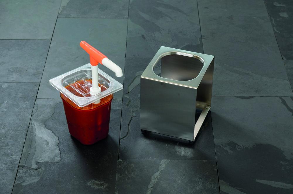 DOSIERSEPNDER 1 x 2,5 l    Maße   (B x H x T):  ohne Dispenser: 18 x 20 x 21,5 cm  mit Dispenser: 18 x 20 x 39 cm   Füllbehälter:  1 x 1/6 GN   Füllinhalt:  1 x 2,5 l