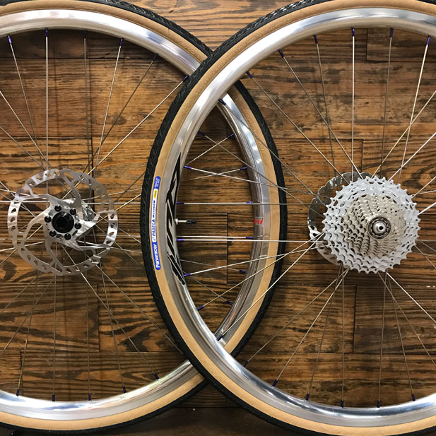 Hope Pro 4 hubs with Paceline 7075 moonrock nipples & Velocity Quill polished rims