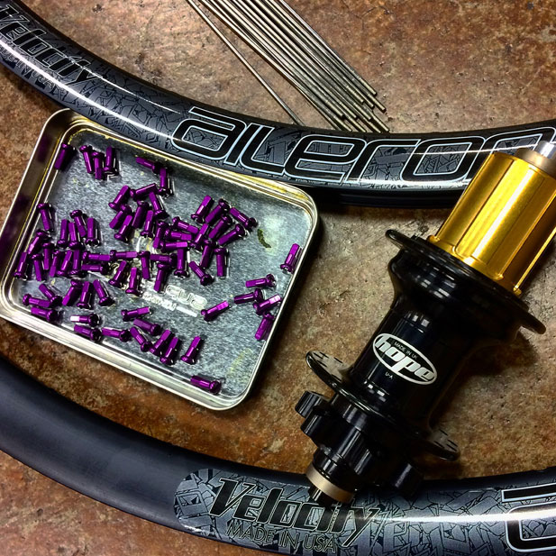 Hope Pro hubs with Velocity Aileron disc road rims