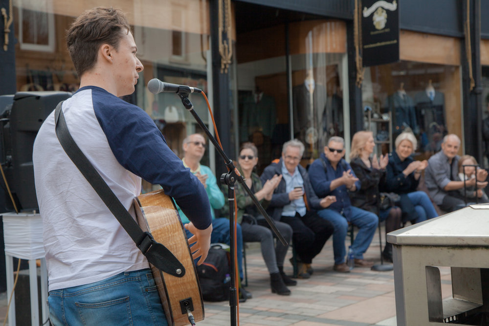 Live-street-music-stirling.jpg