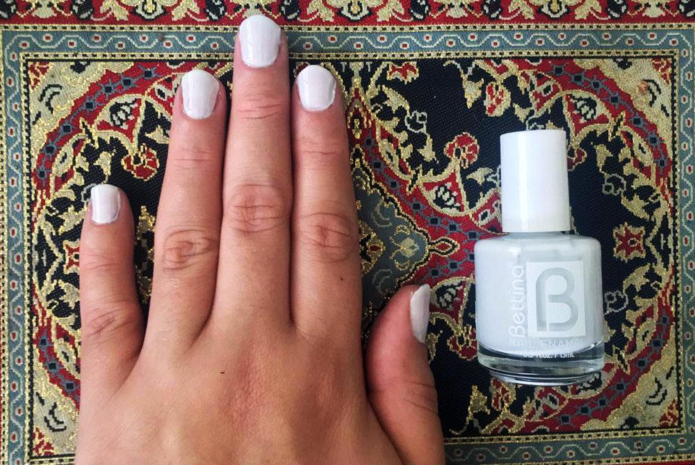 Paso 1: Dos capas de color blanco como base.