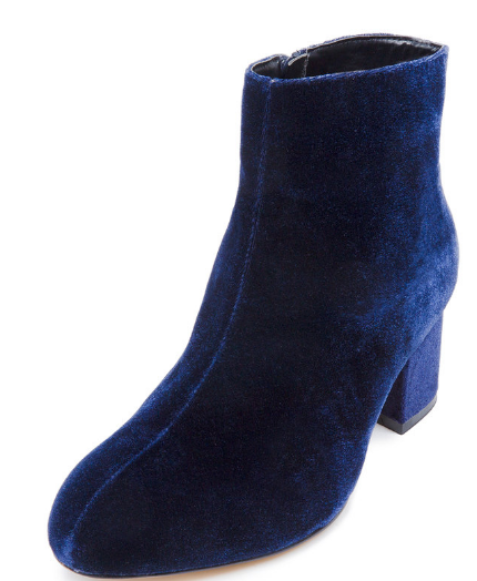 Chelsea Ankle Boot   ELOQUII.png