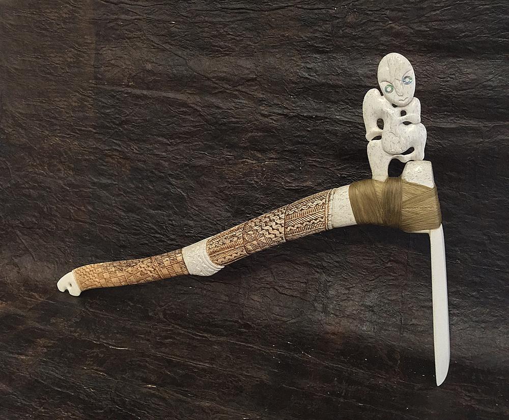 Toki  Visesio Siasau,200 year old  tohorā  (whale bone )