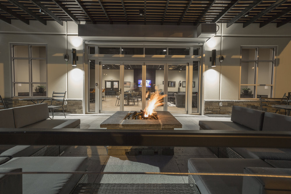 Lounge (Patio).jpg