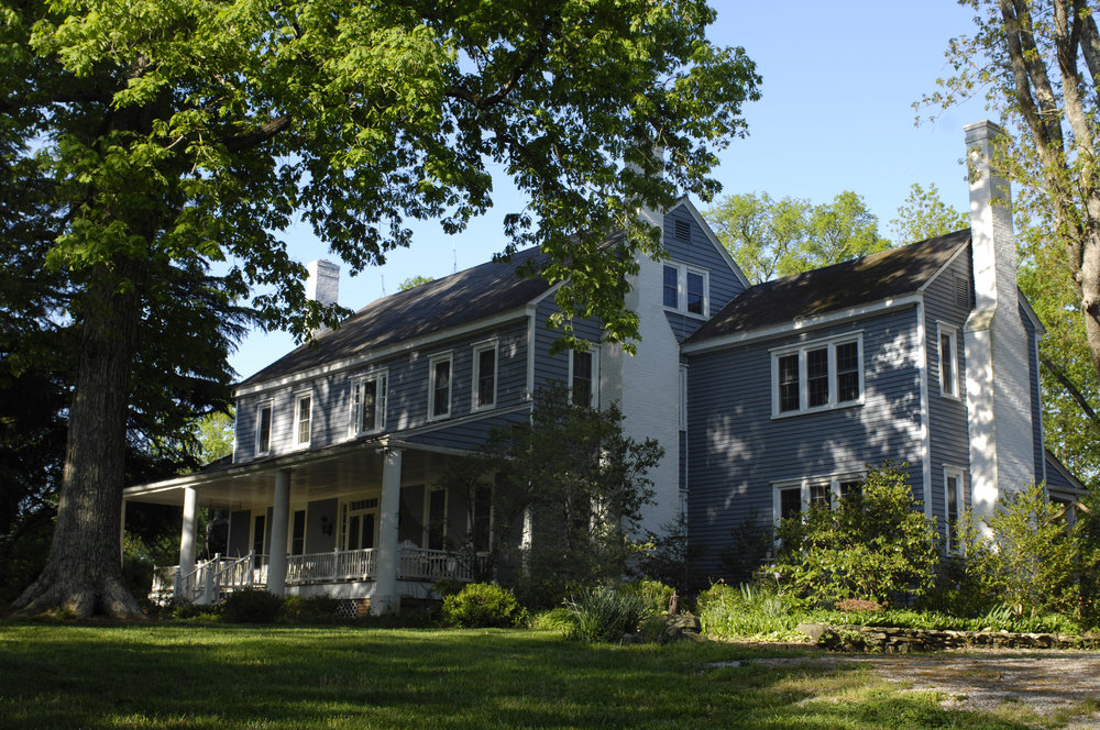 Ivy Place<a href=ivy-place>→</a><strong>Historic House Among the Oaks</strong>