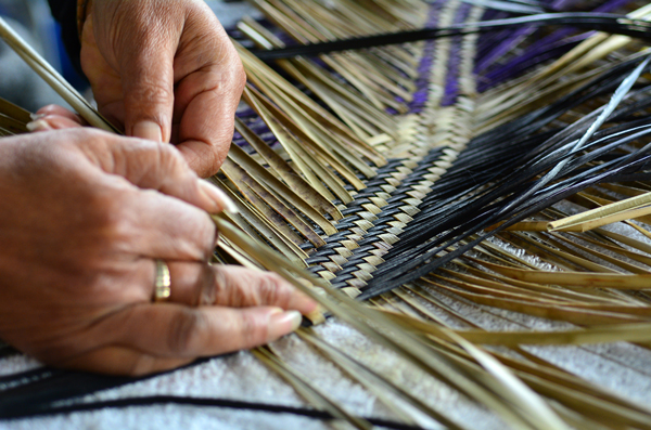 Depositphotos_49677763_original_weaving.jpg