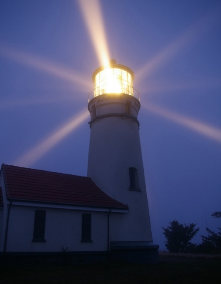 Depositphotos_46230423_web-lighthouse2.jpg