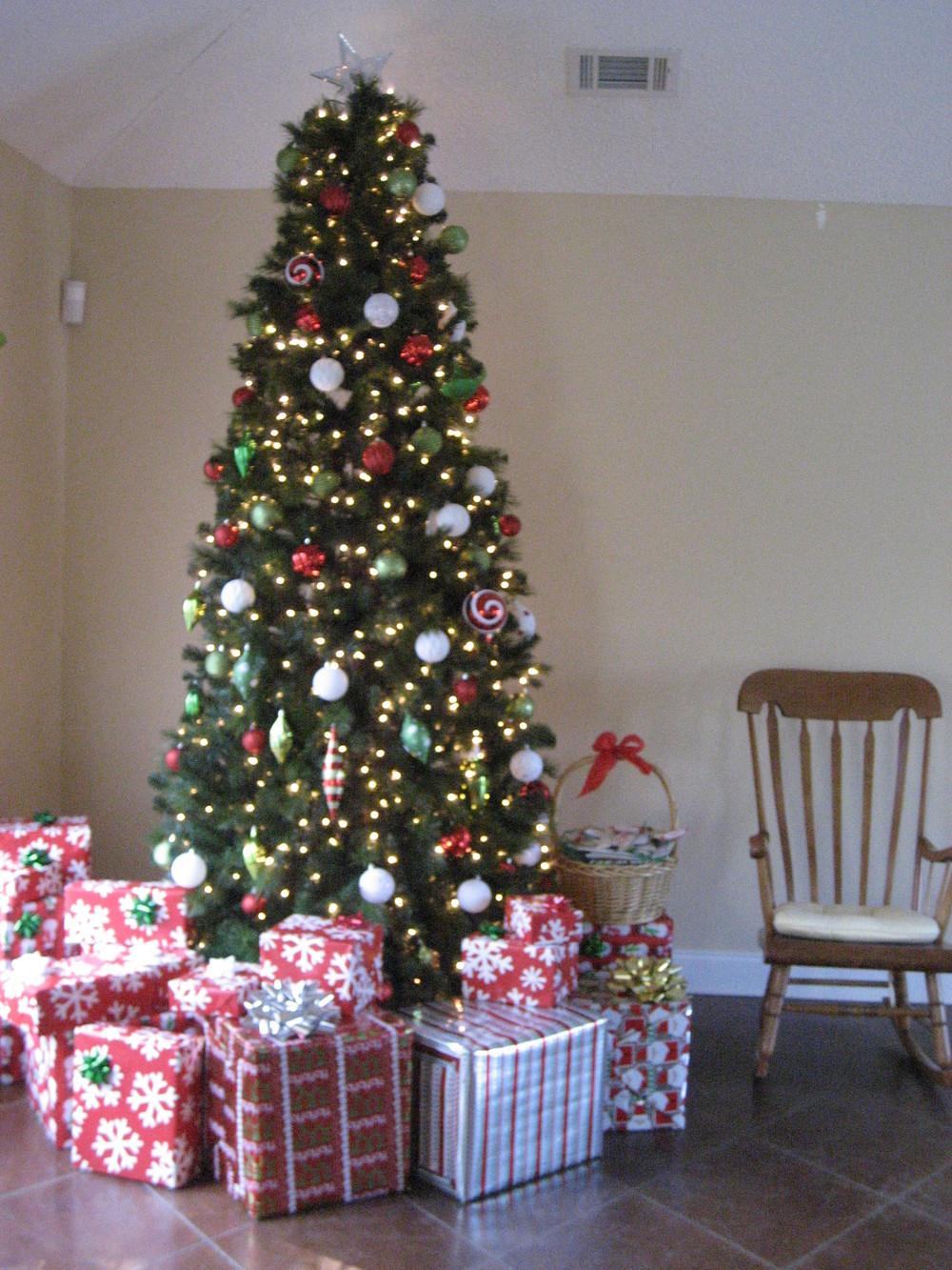 2013 Cookies with Santa (3).JPG