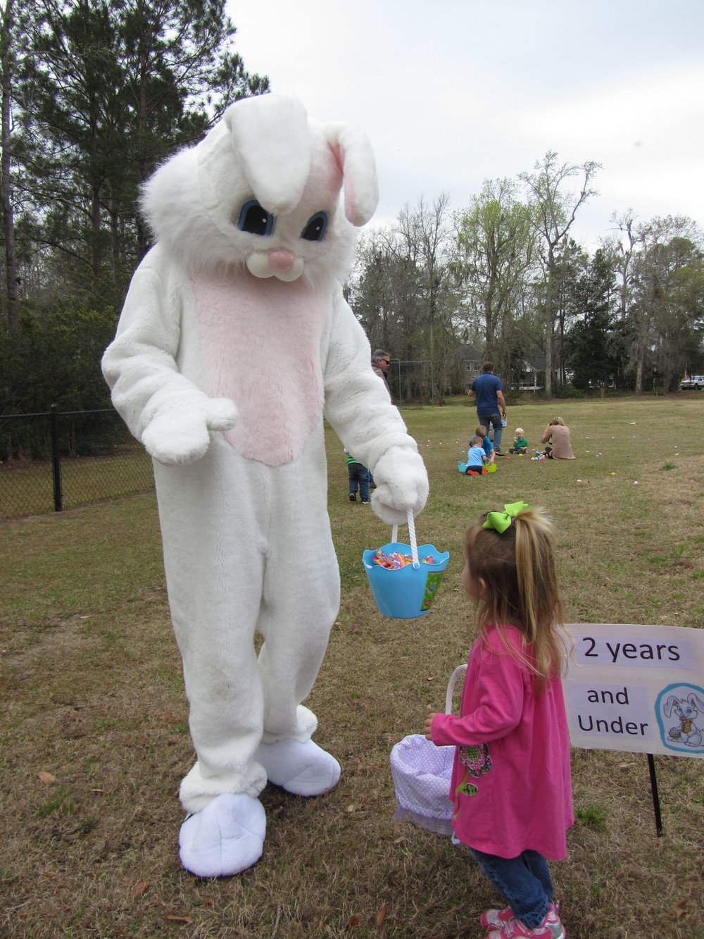 Buckhead Easter Egg Hunt 2013 015.JPG
