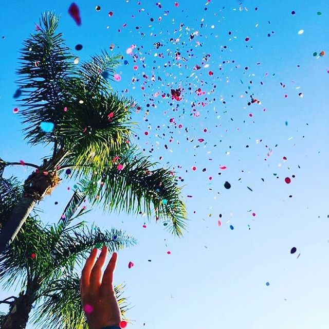 Viva la Fiesta! We would love to highlight all that is happening in the community in the coming days. DM or tag us in your posts so we can share your special offers! 📷: @lalyypop  #mysantabarbara #summerfestivities #fiesta #fiestasb #summer #seesb #sbshines