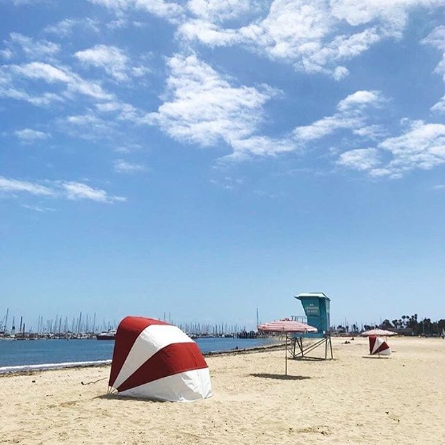 How cute are these #cabanas?! Go rent yours for your next beach trip this summer 🌞🏖 📷: @santabarbaracabanas . . #cabanas #beachday #beachlife #beautifulclouds #shade #mysantabarbara