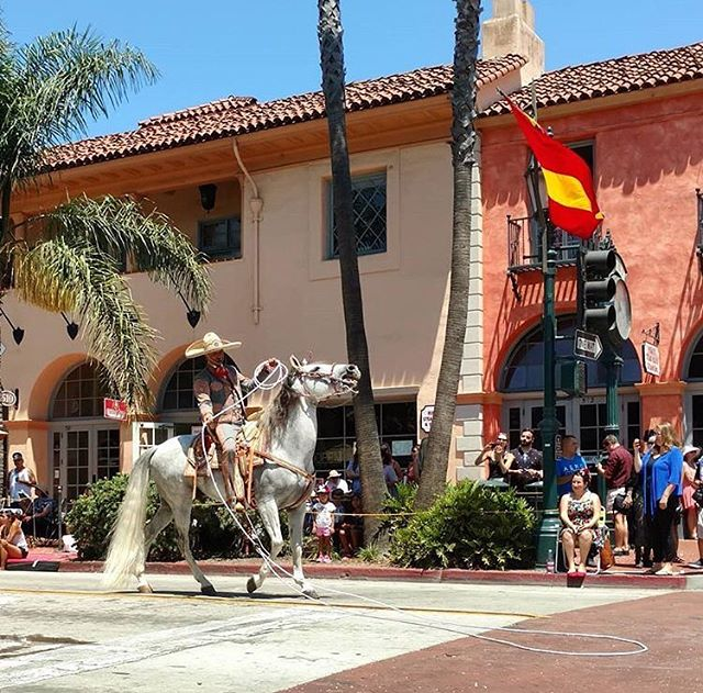 What a weekend filled with 💃🏻, 🐎 & 🥚🎉! Truly a colorful celebration of Santa Barbara's history and traditions. Did you know that #Fiesta helps non-profit & community service groups raise funds for local charities & social service orgs? How did you celebrate at #Fiesta? 📷: @aimless.wanderer . . #fiestaparade #oldspanishdays #summerfestival #horseparade #mysantabarbara