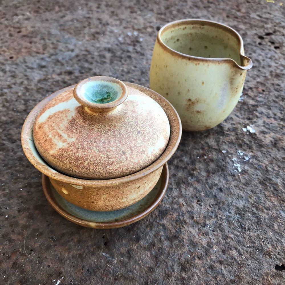 Gaiwan e jarra de servir