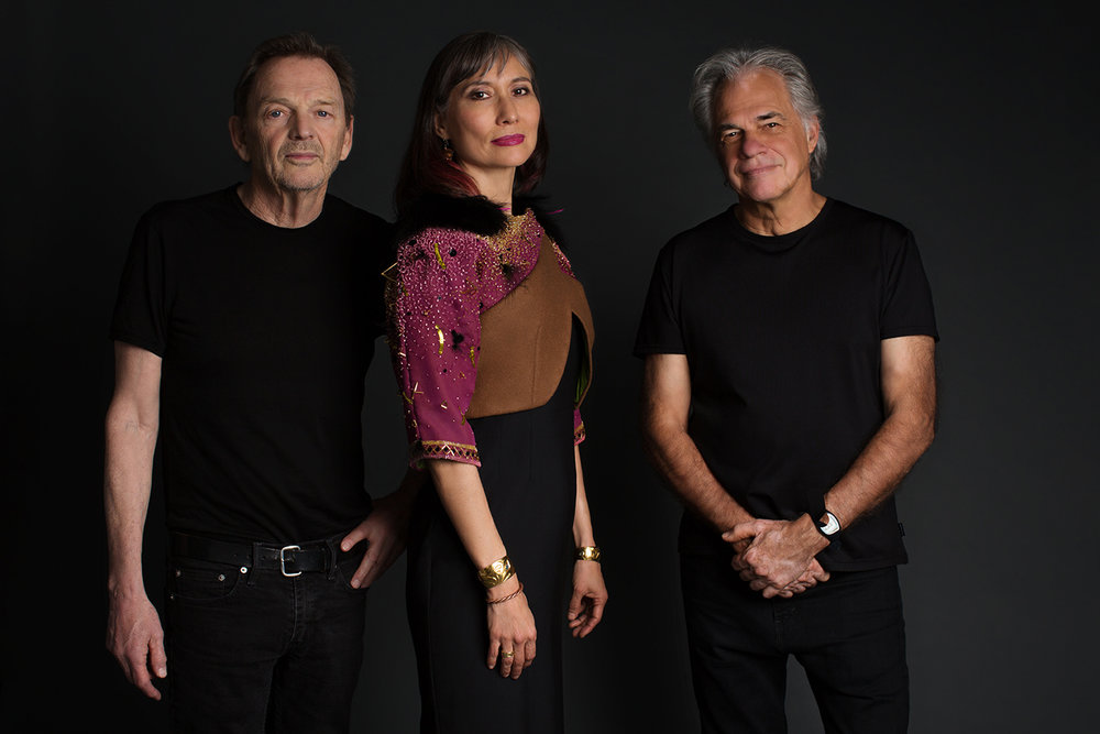 The band - Terri-Lynn, Bill Henderson & Claire Lawrence